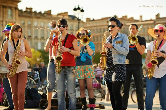 band playing saxo, world music day