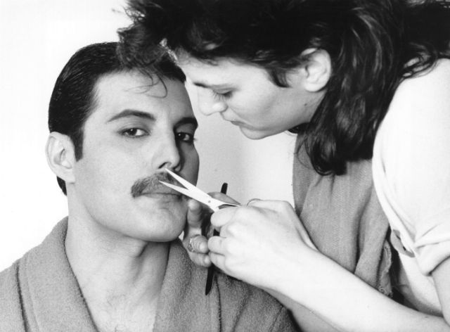 freddy mercury cutting his moustache