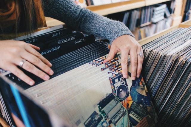 vinyl records digger
