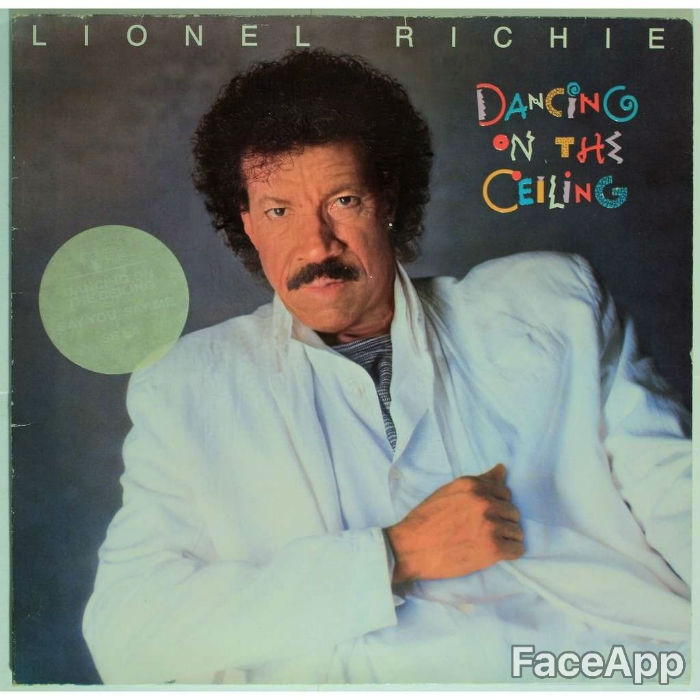 lionel-richie-dancing-on-ceinling