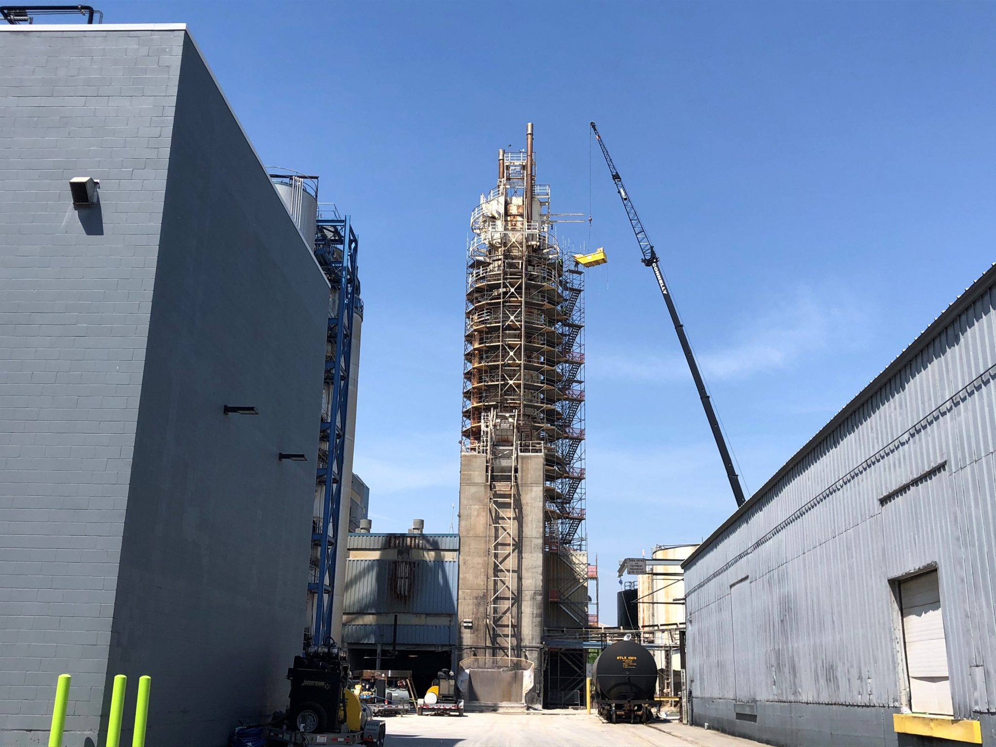 11silo being built during the day