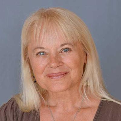 Barbara Poggemiller Headshot