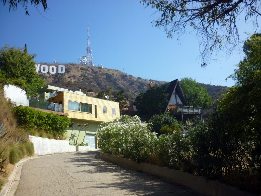 rue-hollywood-sign