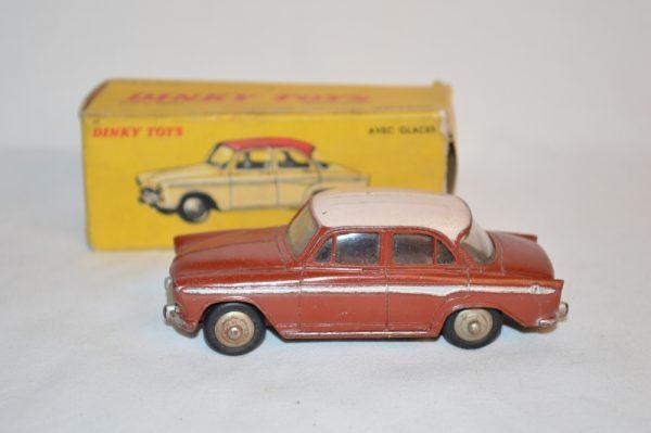 Dinky Toys - 1:43 - Simca Aronde P.60 - N°544