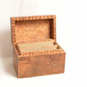 Boite à Jeux De Cartes en bois de platane sculpté
