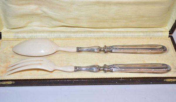 Couverts à salade en argent massif fourré et ivoire, Napoléon III XIX