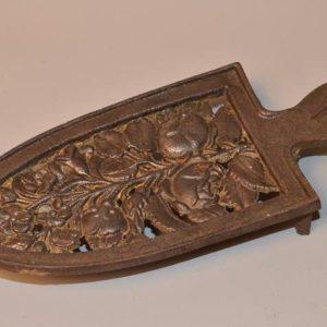 Ancien repose fer à repasser en bronze XIX