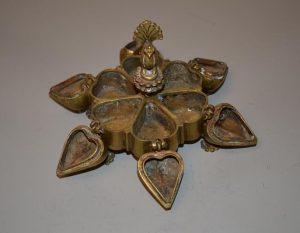 Boîte à fards en bronze doré - inde - six compartiments