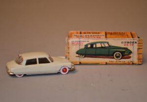 NOREV - Les Micro-miniatures - Modèle n° 2 Citroën DS 19
