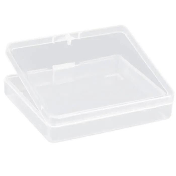 petites boites en plastique carrees