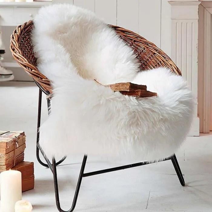 tapis blanc fourrure
