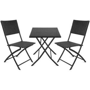 petite table et chaise de jardin