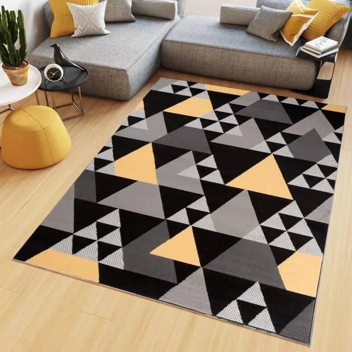 tapis gris et jaune