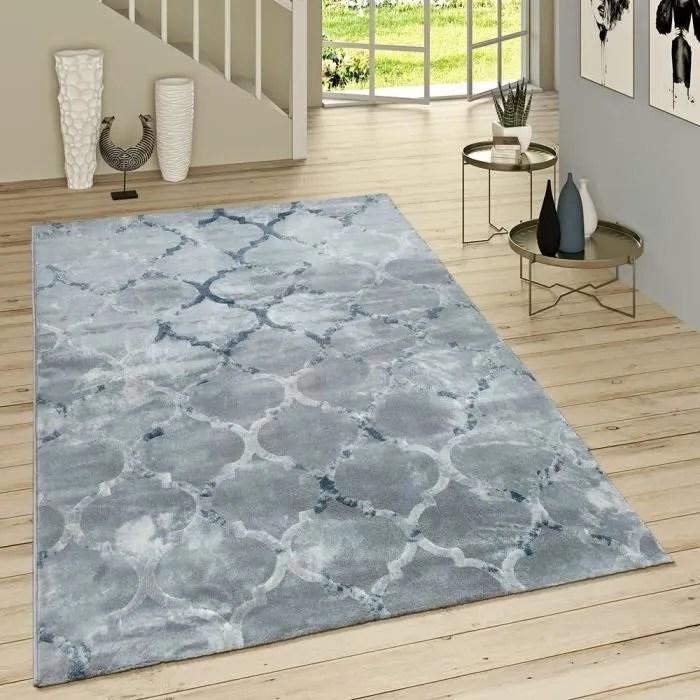 tapis oriental bleu