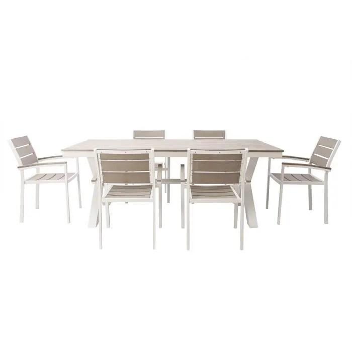 salon de jardin avec table et 6 chaises