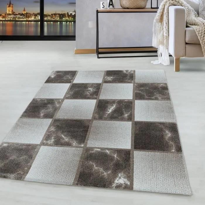 tapis carres gris