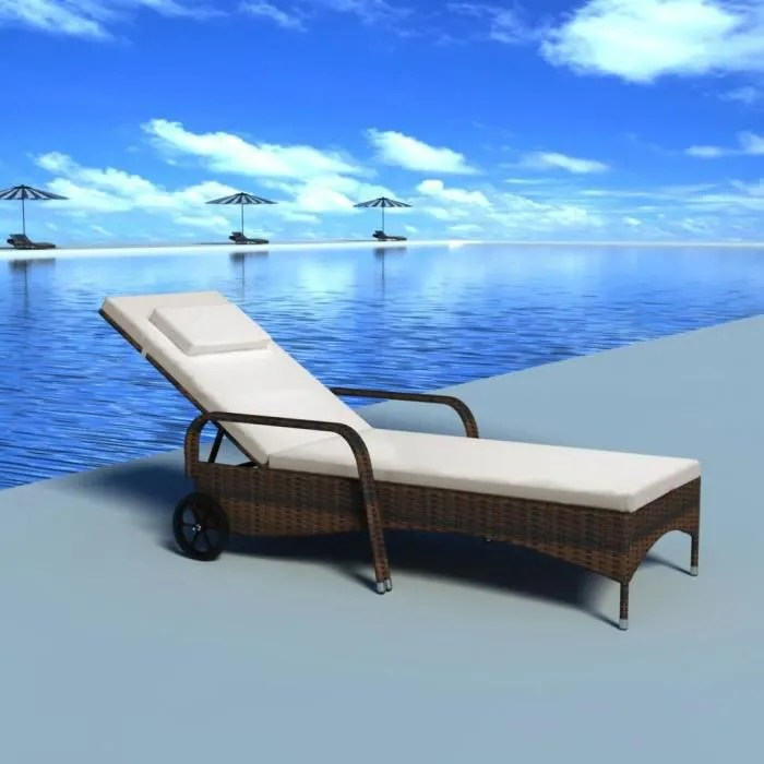 chaise longue avec coussin 2 roues bain de soleil marron resine tressee