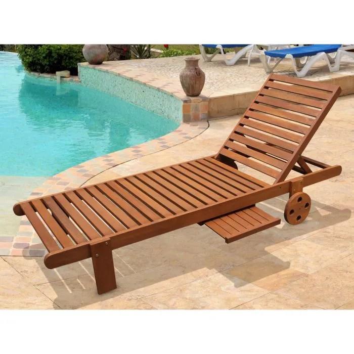 bain de soleil en bois exotique avec