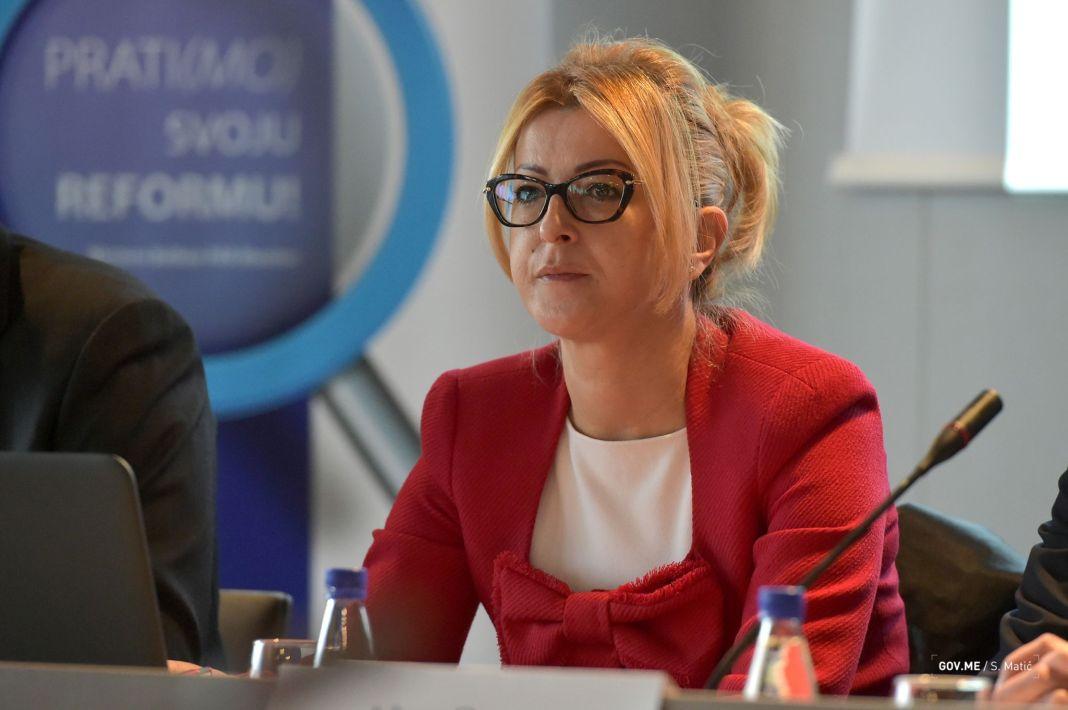Ministarka-Suzana-Pribilovic-otvaranje-radionice-Princip-javne-uprave-005.jpg
