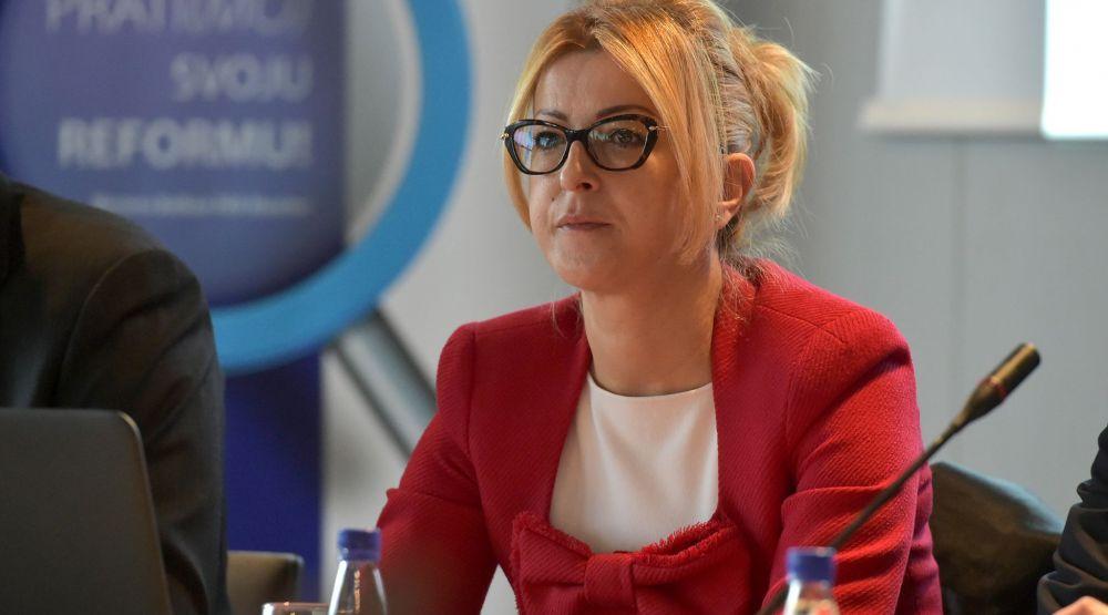 Ministarka-Suzana-Pribilovic-otvaranje-radionice-Princip-javne-uprave-005-1000x555.jpg