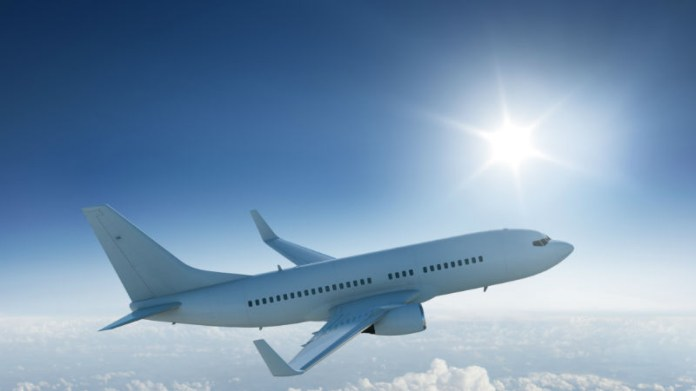 61180945-avion-let-putovanje-avionom.jpg