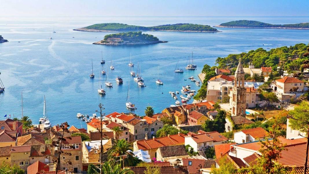 Kotor-Kotor-Montenegro.jpg