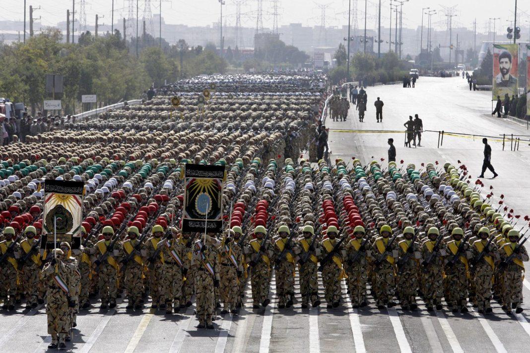 Mideast-Iran-Military_sham.jpg