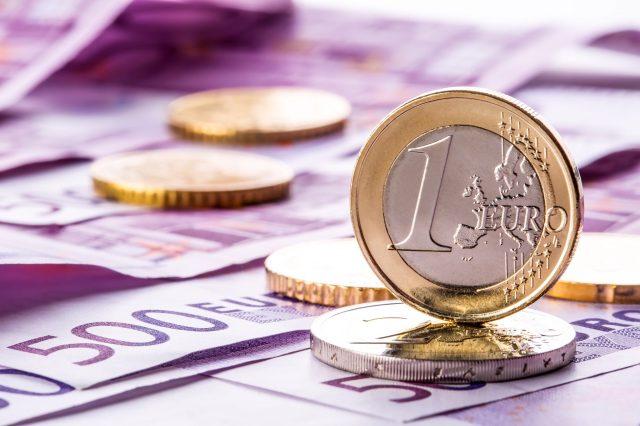 bigstock-Several-euro-banknotes-and-84124871.jpg