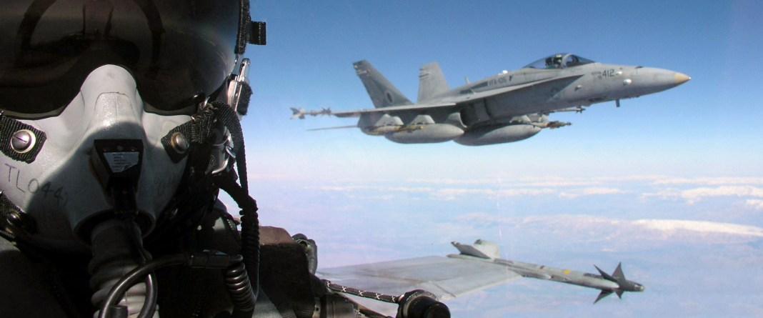 vojni-avion-e1444386079613.jpg