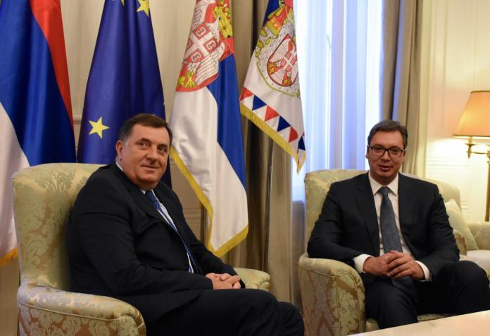 Dodik-Vucic-sjede.jpg