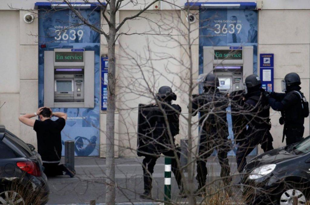 multimedia_foto_2015_03_25_francuska-talacka-kriza-u-posti_1421416444-1024x677-1.jpg