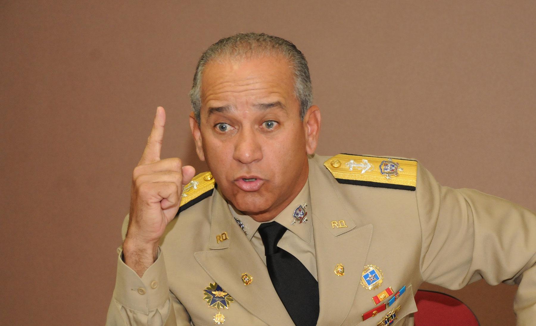 El Director Nacional de Investigaciones (DNI), almirante retirado Sigfrido Pared Pérez