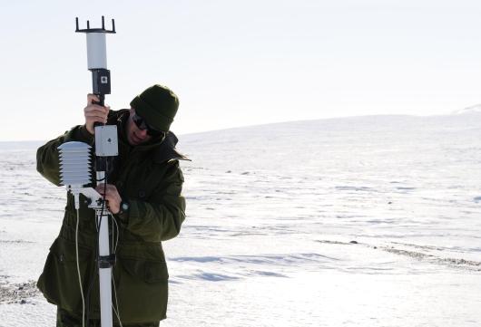 Arctic.IS2012-1005-09