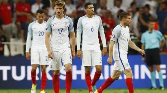 A Inglaterra cedeu o empate no finalzinho do jogo, a euforia do gol de Dier foi apagada pelo gol de Beresutski - Foto: GE