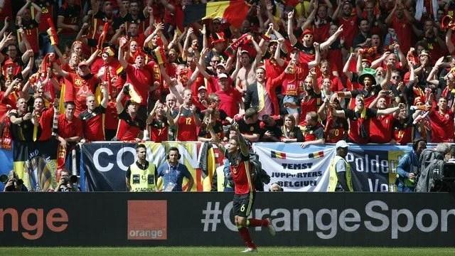 No Stade de Bordeaux, a Bélgica fez jus a seu favoritismo e bateu a Irlanda por 3 a 0, com dois gols de Lukaku e um de Witsel - Foto: GE