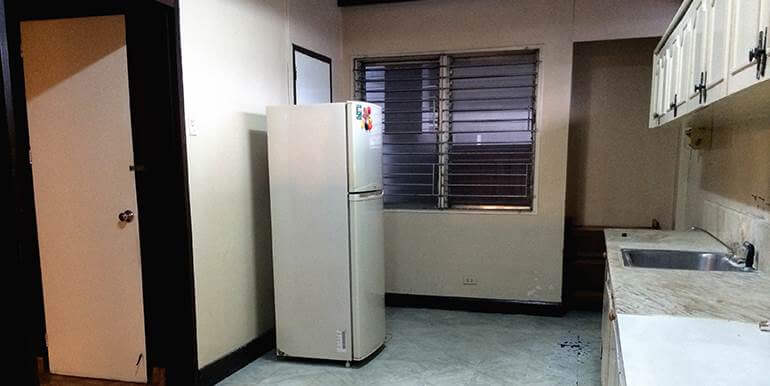 fully-furnished-bungalow-house-for-rent-guadalupe-heights-cebu-city (10)