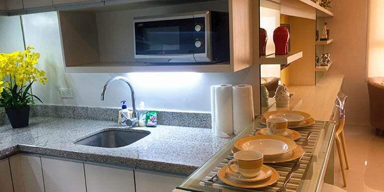 Calyx-Centre-Condominium-Special-Studio-Unit-for-Rent (16)