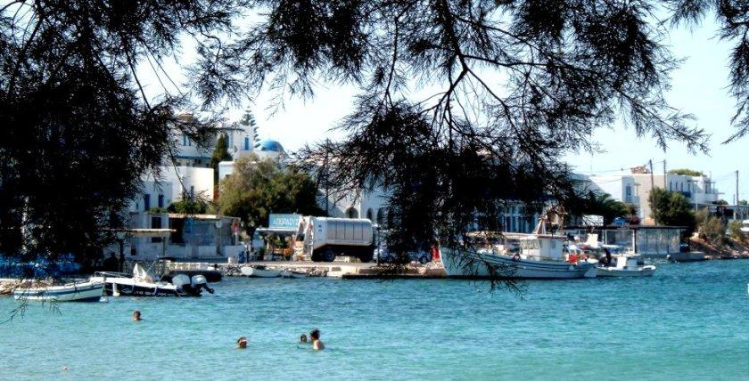 il porto di Aliki