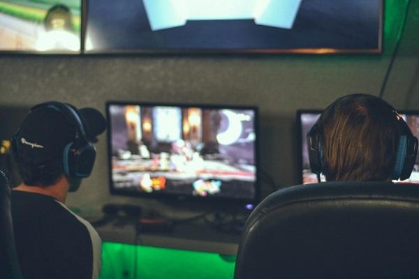preparation mentale preparateur mental sophrologie sophrologue esport pro gamers LAN stress competition lille cecile leroy