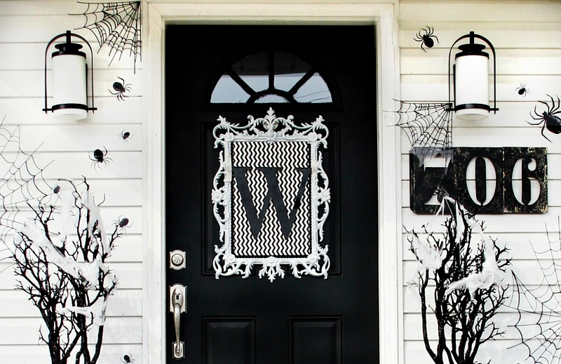 halloween-front-door-wreath