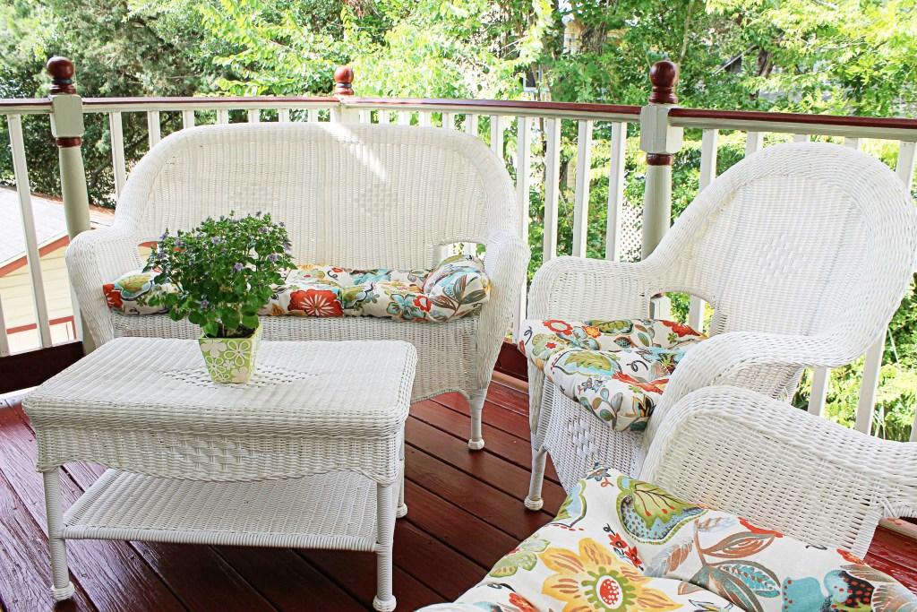 Cedar House Inn Floridian Room Deck