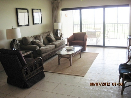 c-202-livingroom
