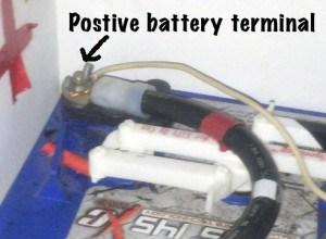 Postive-battery-terminal-il