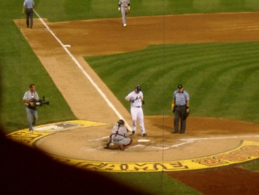 Wright touches home after homering in the 2006 All-Star Game