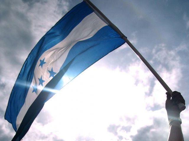 Honduras: A un año de las elecciones cuestionadas. ¿Legitimidad a la fuerza? (por Mariela Pinza)