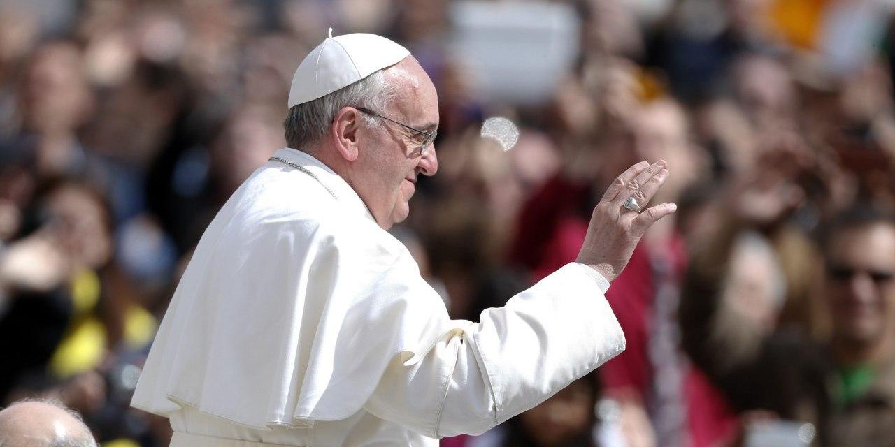 ¿Por quién votaría el Papa en Ecuador?