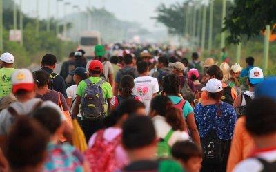 Desafío a la frontera de EE. UU: la caravana migrante en México
