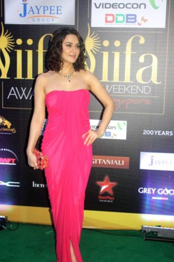 Preity Zinta Height and Weight 2013
