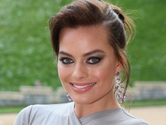 Margot Robbie height and weight 2014