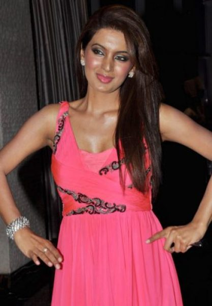 Geeta Basra height and weight 2016